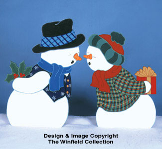 Kissing Snow Couple Woodcraft Pattern