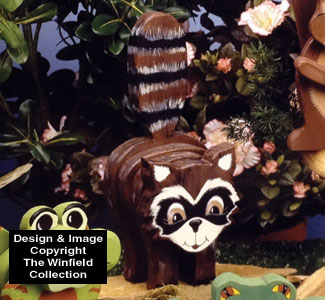 Layered Raccoon Woodcraft Pattern