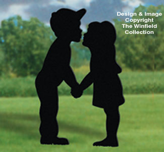People kissing kids yard shadow wood pattern for Yard shadow patterns